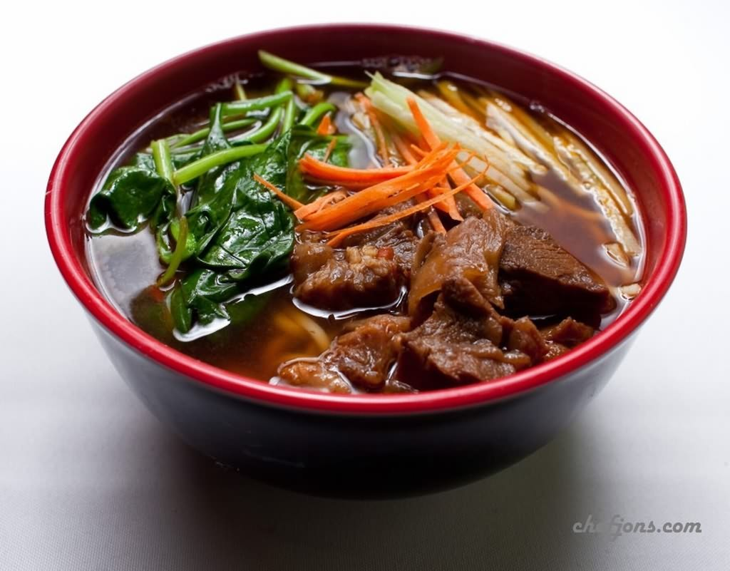 Currently Craving: Clean Spicy Beef Noodle Soup