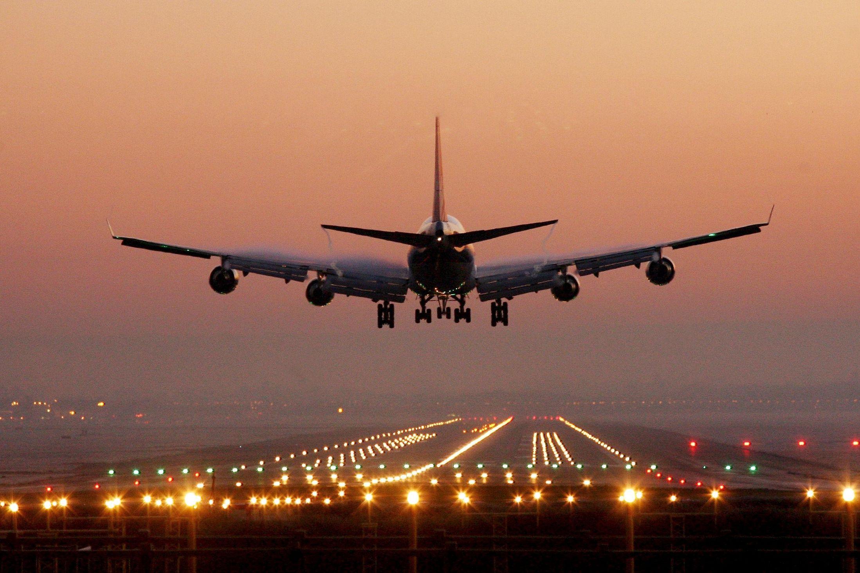 healthy-airport-hacks